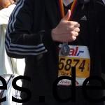 Im Ziel meines 1. Marathons, den Berlin Marathon 2009. (Foto und Copyright: Inger-Britt Buchholz und Daniel Katzberg)
