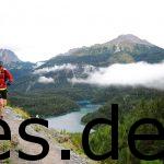 Welch wunderschöne 2. Etappe des Transalpine-Run. Ich bin ich bei km 7,8. Fotografiert vom Sportograf.
