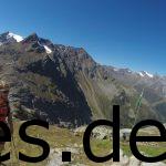 Als wir kurz an einer Hütte pausieren, dürfen andere noch klettern. 4. Etappe, 2750 m Höhe, km 13,2. Copyright: Daniel Katzberg