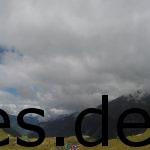 Als wir bei Km 38 den höchsten Punkt des Tages erreichten, blickte ich nicht nur nach vorne, sondern auch mal nach hinten. Was für Aussichten und wie nah die Wolken sind! Copyright: Daniel Katzberg