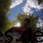 Ein ungewollter Schnappschuss aus der zweiten Runde. Keine Ahnung von wo aber ich mag die Sonne durch die Bäume! (Copyright: Daniel Katzberg)