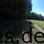 Km 16, der letzte Getränkepunkt ist direkt hinter mir. Auf geht es auf den letzten Waldabschnitt. (Copyright: Daniel Katzberg)