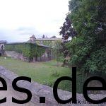 Bei Km 16 erreichen wir die nächste Verpflegungsstation und damit das Kloster. Es kann aber auch eine Burg sein. (Copyright: Daniel Katzberg)