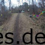 Km 18,6: Der höchste Punkt auf der Hassberg-Klippe ist schön dekoriert und man kann einen Schnaps bekommen. (Copyright: Daniel Katzberg)