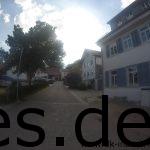 Km 42,5: Nach dem Verpflegungspunkt 5 geht es durch die Siedlung. (Copyright: Daniel Katzberg)