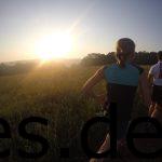 Km 3: Eines der schönsten Fotos des Tages. Der Sonnenaufgang bei Km 3. (Copyright: Daniel Katzberg)